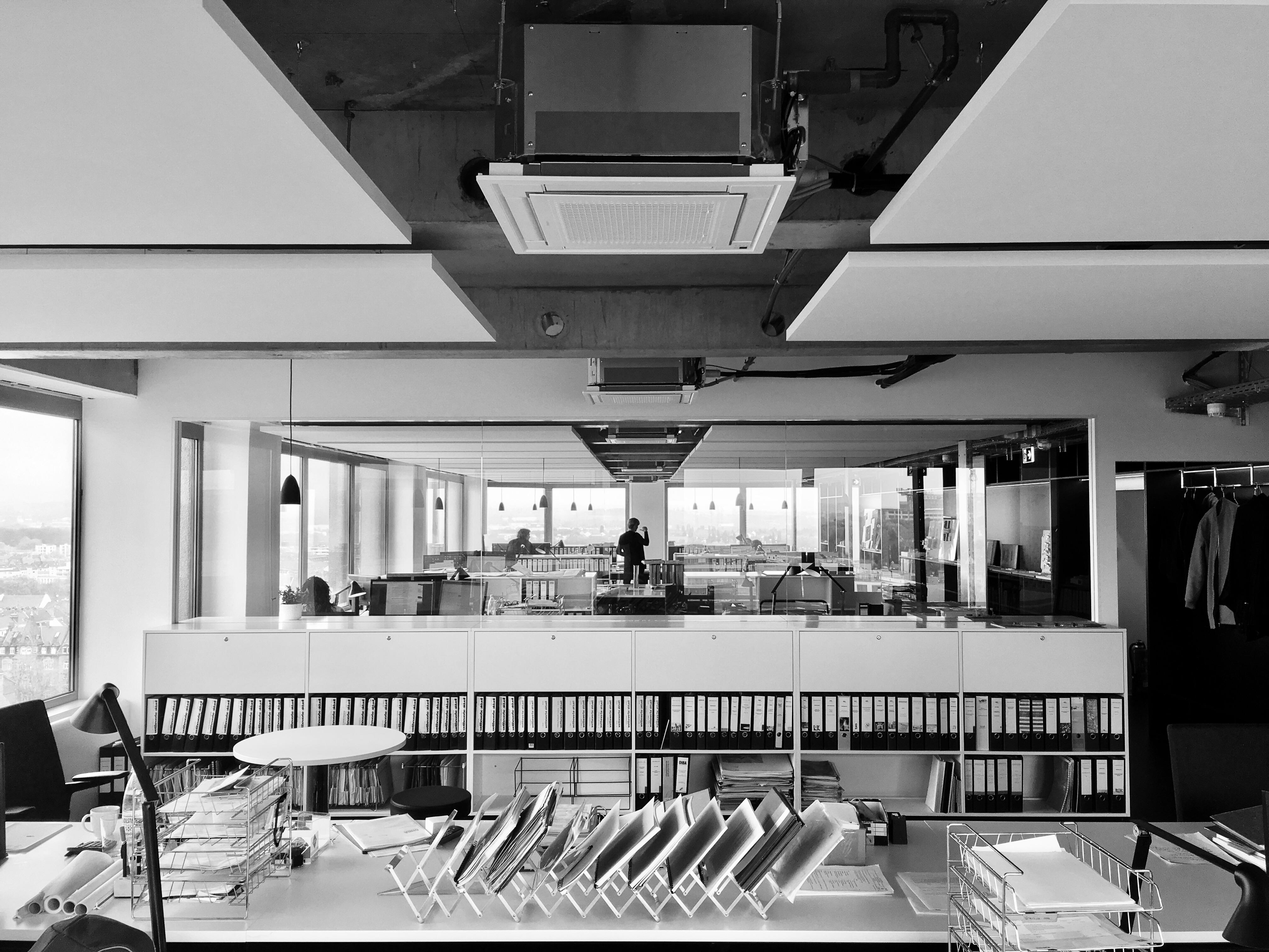 GHBA Industrieplaner Architekten Foto vom Innenraum des Büros